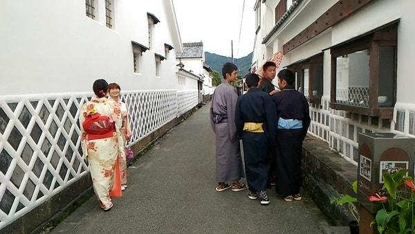 着物ウォークin萩はレンタルの着物に着替えて萩の町を歩く行事