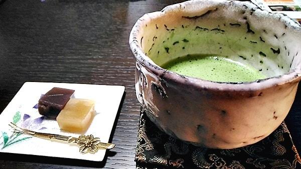 萩焼人間国宝の11代三輪休雪先生の「鬼萩窯変茶碗」