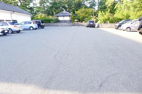 うどん どんどんの広い駐車場