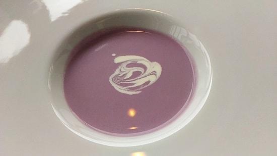 ヴァン・ヴェールの紫芋のスープ
