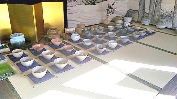 三輪清雅堂は萩焼の抹茶茶碗を売っている萩で一番古い卸商