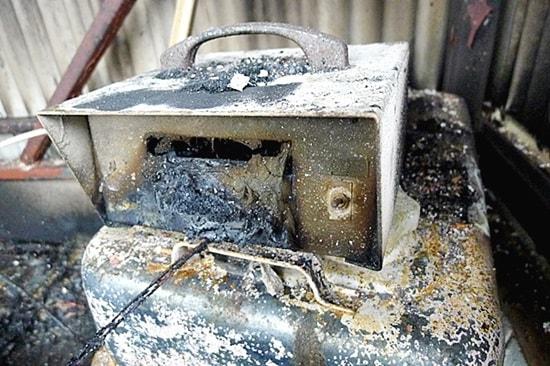 陶芸用の温度計も焼失