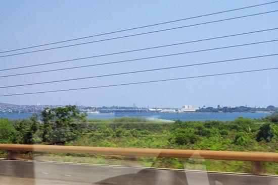 海が出現しパールハーバーに近づいてきた