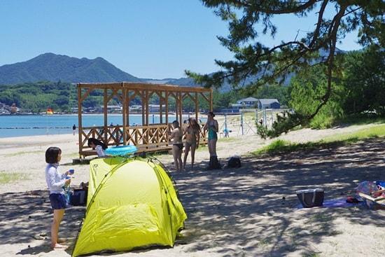 菊ヶ浜海開きでテント張って過ごすのもよし