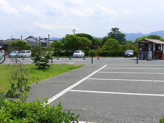 萩博物館前の駐車場