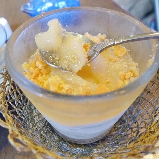 長屋門珈琲カフェ・ティカルの桃のムース