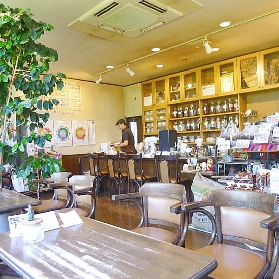 長屋門珈琲カフェ・ティカルの店内