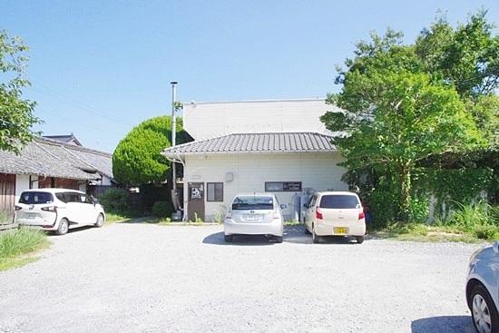 長屋門珈琲カフェの駐車場