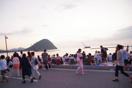 萩・日本海大花火大会の歩行者天国